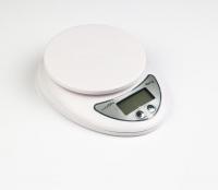 Весы кухонные LuazON LVK-501, электронные, до 5 кг, белые 1147001